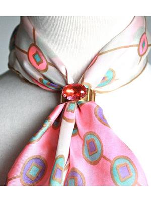 ClioMakeUp-come-indossare-foulard-6-collana