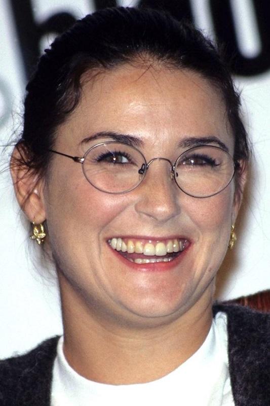 ClioMakeUp-denti-celebrity-prima-trattamenti-sbiancanti-Demi-Moore