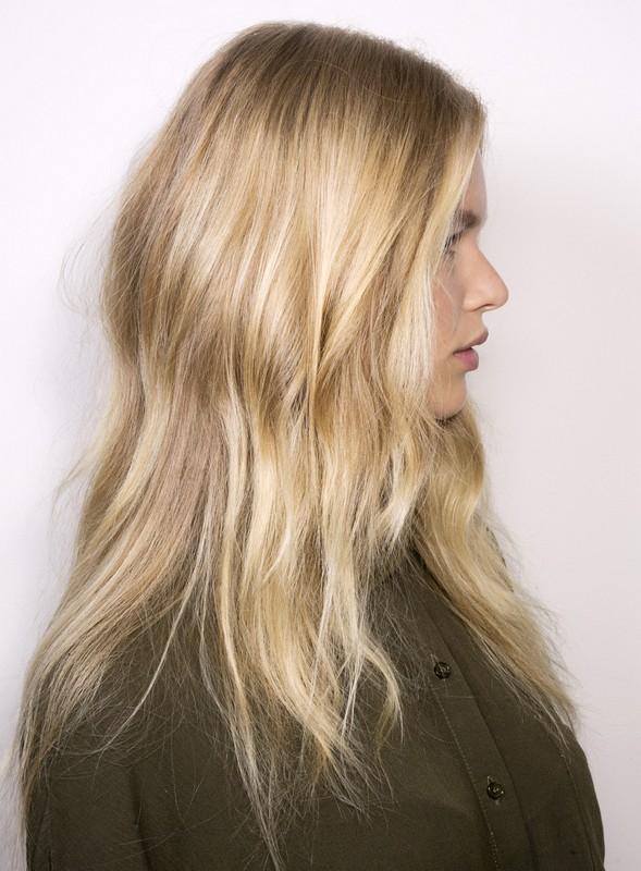 ClioMakeUp-layage-capelli-trend-estate-moda-starsystem-capelli biondi