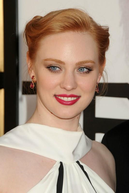 ClioMakeUp-trucco-capelli-rossi-occhi-blu-come-valorrizzarli-colori-deborah-ann-woll-occhi-oro.jpg