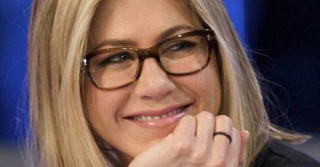 cliomakeup-occhiali-da-vista-3-jennifer-aniston