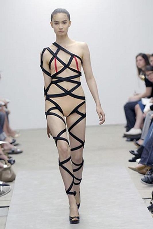 ClioMakeUp-bikini-brutti-estate-classifica-inguardabili-orrori-cotechino