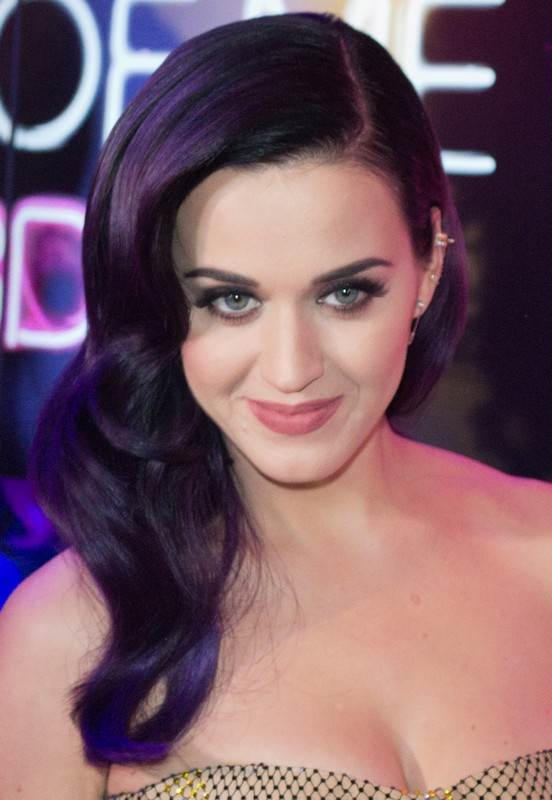 ClioMakeUp-star-capelli-naturali-hair-style-katy-perry-purple-hair