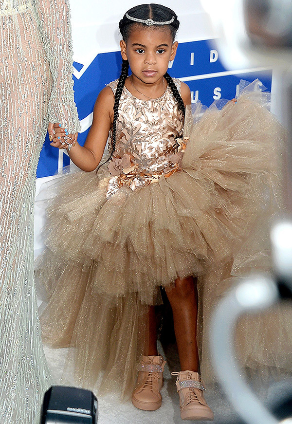 ClioMakeUp-vmas-2016-video-music-awards-mtv-beauty-look-abiti-trucchi-beyonce-1