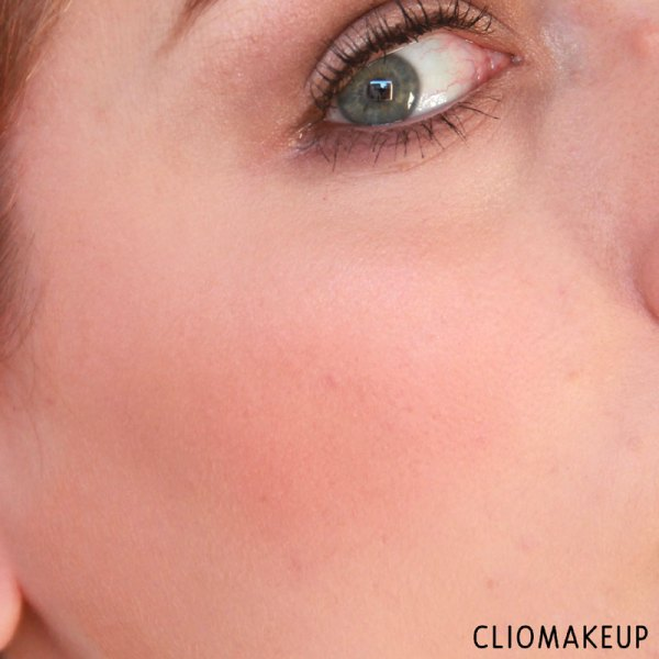 cliomakeup-recensione-touch-up-to-go-palette-essence-11