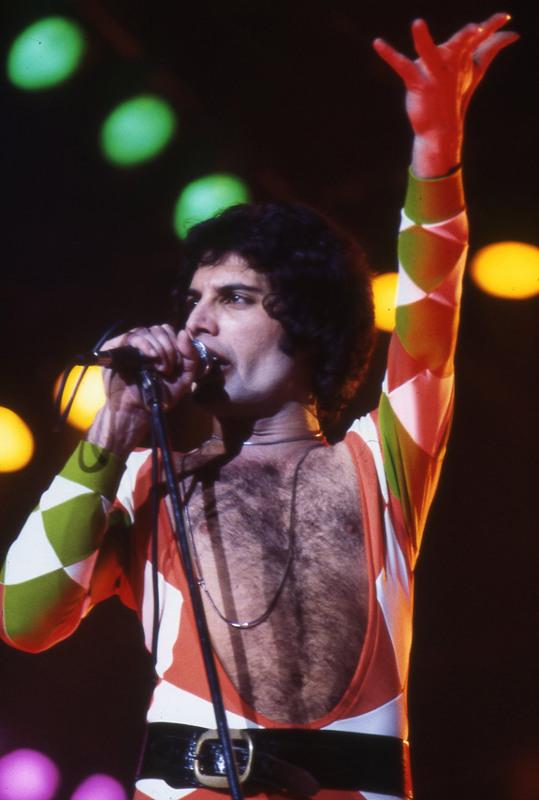 ClioMakeUp-Freddie-Mercury_15
