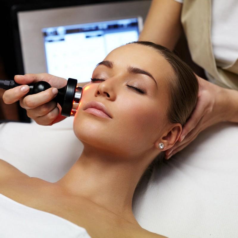 ClioMakeUp-acne-sfoghi-rientro-vacanze-macchie-solari-luce-pulsata