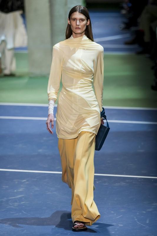 ClioMakeUp-moda-autunno-trend-2016-pantaloni-larghi-celine