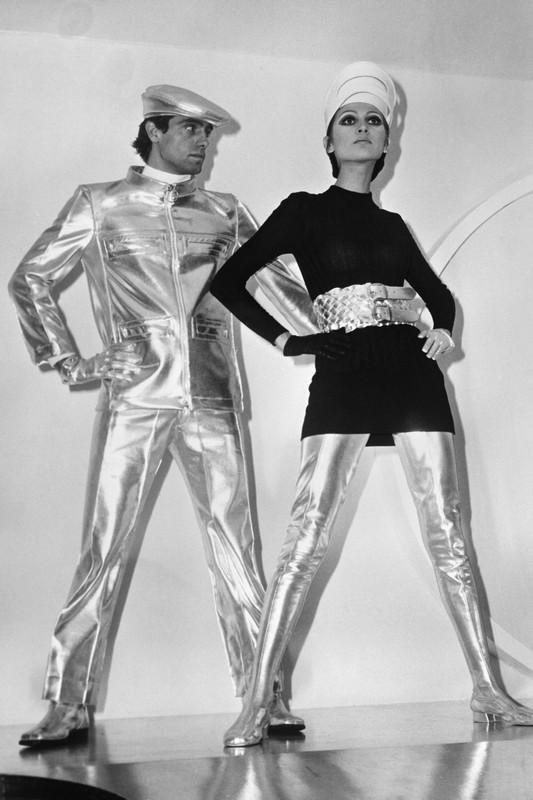 ClioMakeUp-peggiori-trend-storia-fashion-vestiti-novecento-moda-futurista