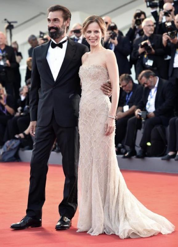 ClioMakeUp-venezia-mostra-del-cinema-73-2016-look-abiti-star-red-carpet-trucchi-1