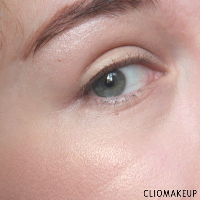 cliomakeup-recensione-flower-enriched-highlighter-kiko-13