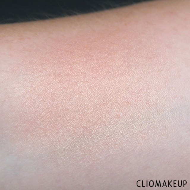 cliomakeup-recensione-flower-enriched-highlighter-kiko-7
