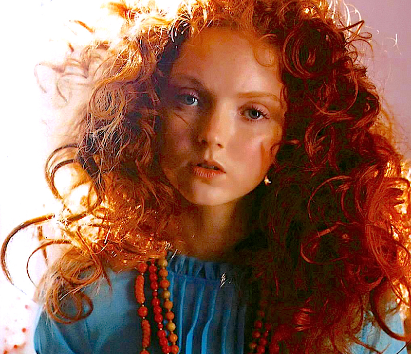 Acconciature per ragazze con capelli ricci