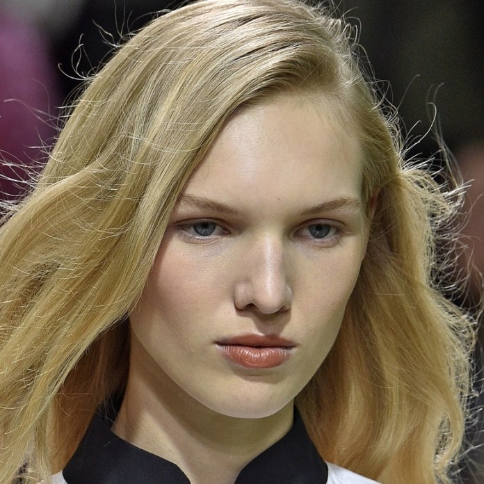 ClioMakeUp-beauty-look-fashion-week-primavera-estate-2017-nude-gold