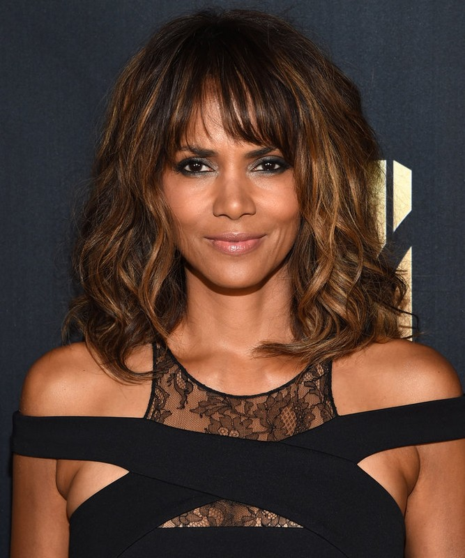 ClioMakeUp-hair-makeover-star-halle-berry-prima