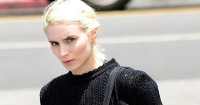 ClioMakeUp-hair-makeover-star-rooney-mara-bionda