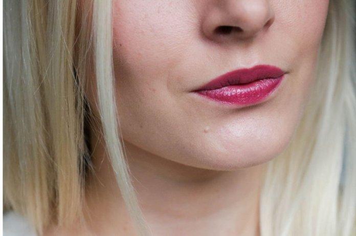 ClioMakeUp-metallico-metallizzato-trucco-makeup-rossetto-labbra-ombretto-smalto-metal-glitter-estee-lauder