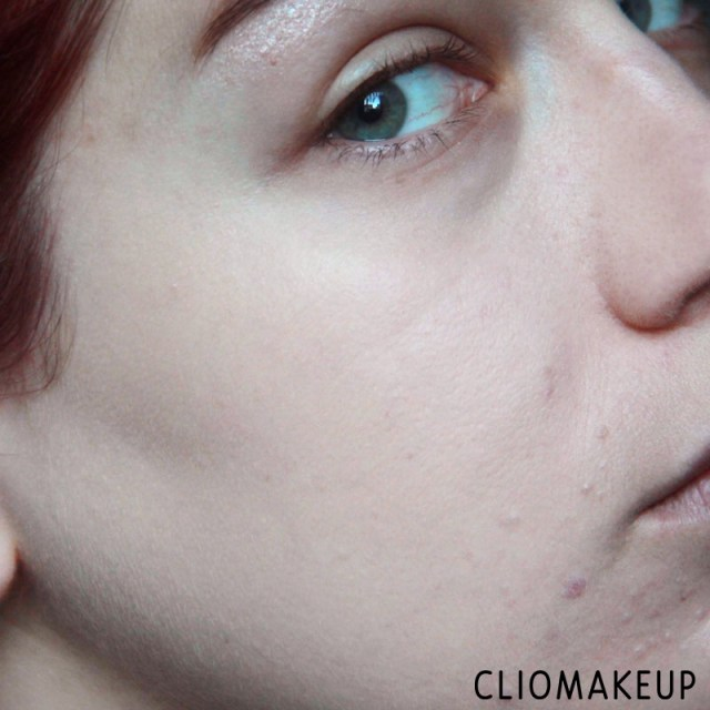 cliomakeup-recensione-fondotinta-camouflage-2-in-1-make-up-e-concealer-essence-11