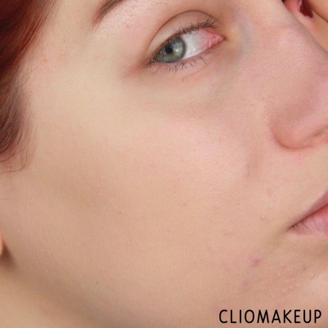 cliomakeup-recensione-fondotinta-camouflage-2-in-1-make-up-e-concealer-essence-12