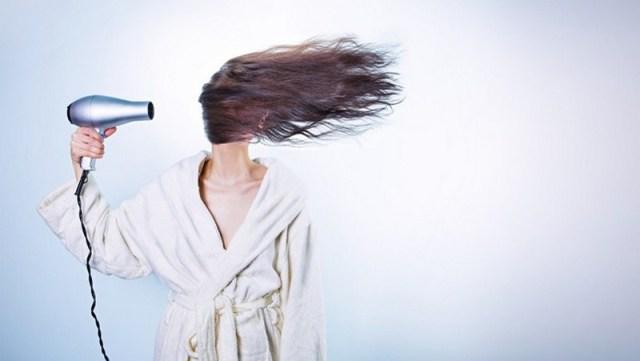 ClioMakeUp-capelli-lunghi-come-curarli-mantenerli-phon