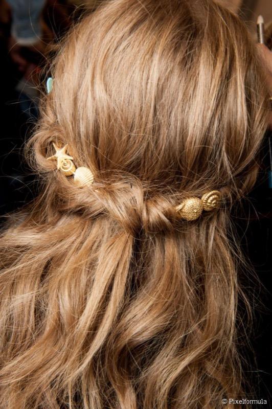 ClioMakeUp-capelli-semiraccolti-accontiatura-mezza-coda-31