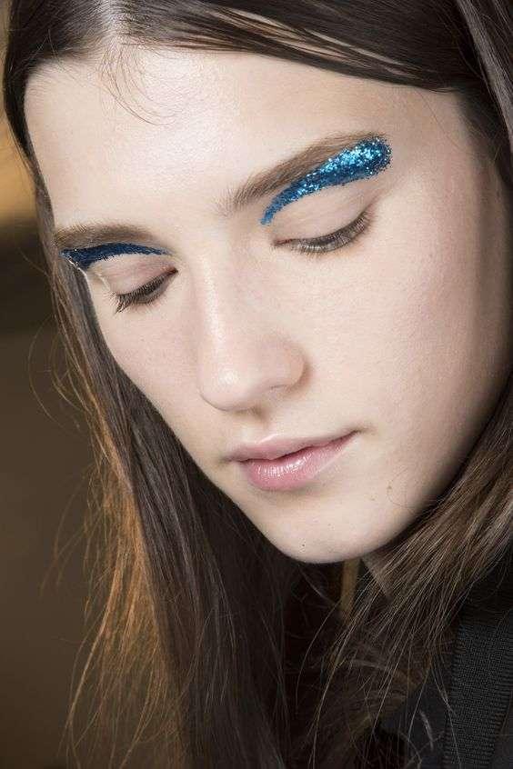 ClioMakeUp-nuovi-trend-sopracciglia-glitter