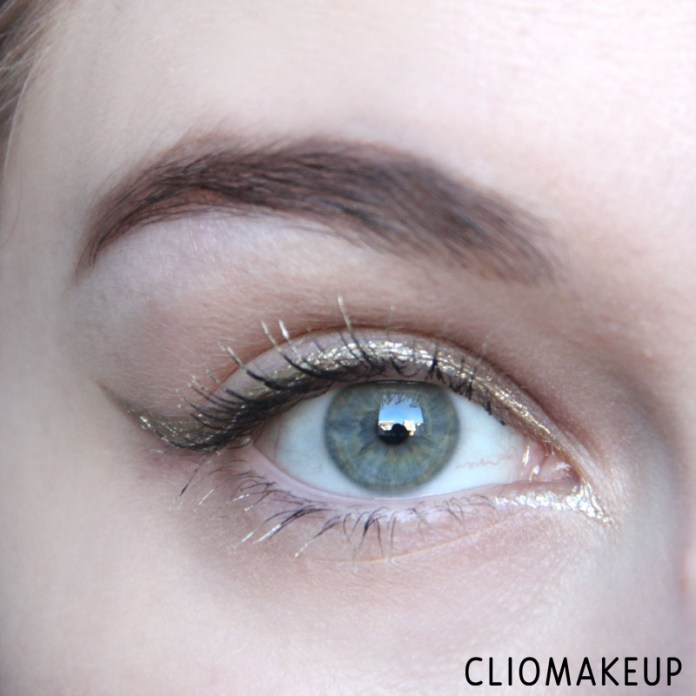 cliomakeup-recensione-the-little-xmas-factory-gold-eyeliner-essence-11