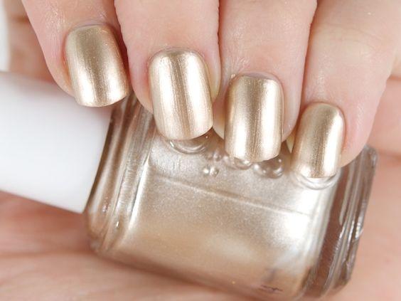cliomakeup-unghie-capodanno-8-oro