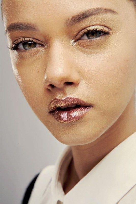 ClioMakeUp-beauty-look-osare-2017-labbra-occhi-prodotti-tutorial-7