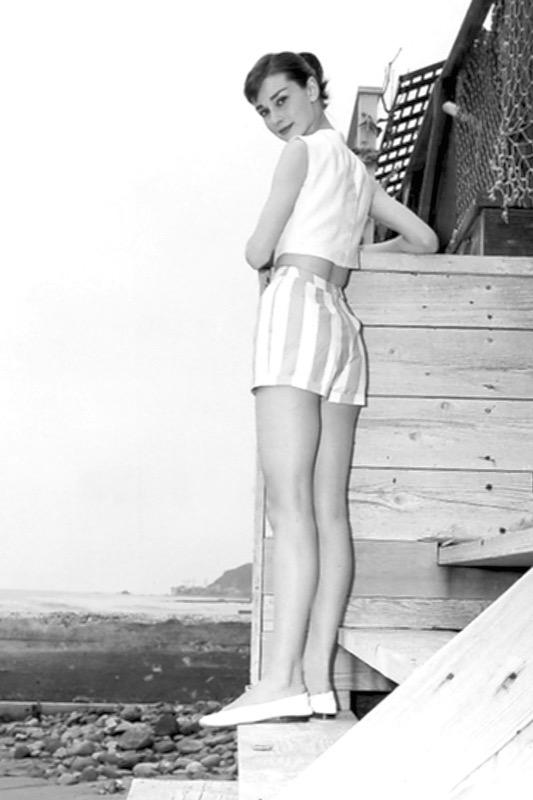ClioMakeUp-scarpe-famose-celebrities-film-audrey-hepburn-ballerine