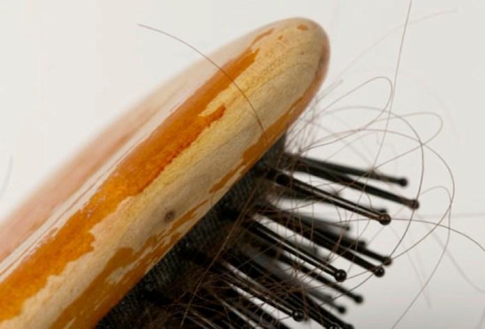cliomakeup-come-pulire-spazzolino