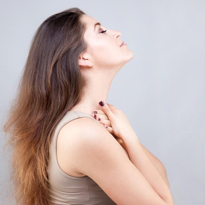 ClioMakeUp-rughe-collo-prevenire-stretching