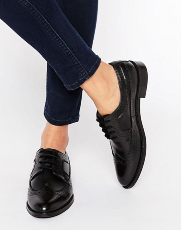 ClioMakeUp-capi-ufficio-scarpe-stringate