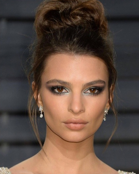 cliomakeup-trucchi-oscar-after-party-14-Emily-Ratajkowski