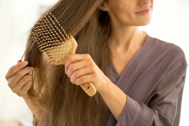 ClioMakeUp-errori-spazzolare-capelli-punte