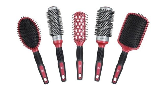ClioMakeUp-errori-spazzolare-capelli-spazzole