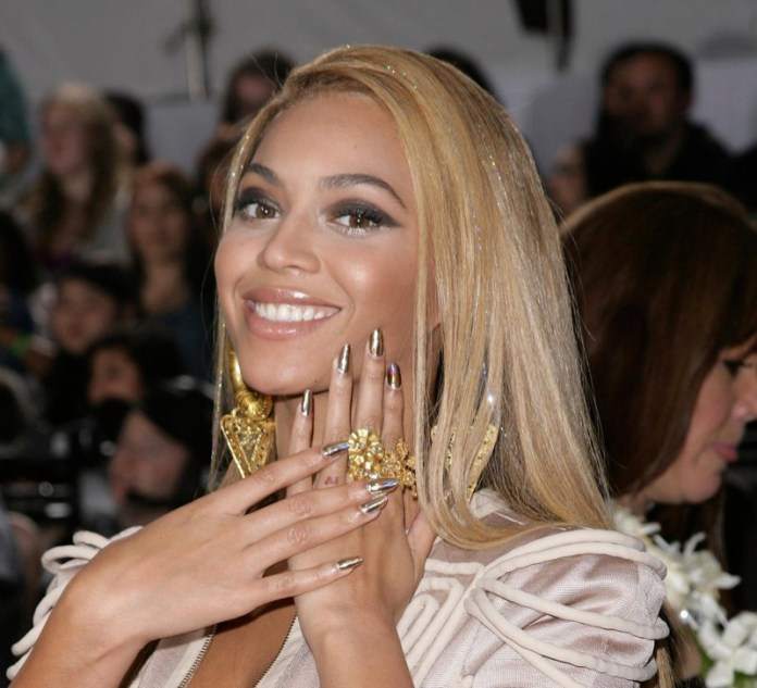 ClioMakeUp-crescere-unghie-forti-velocemente-beyonce