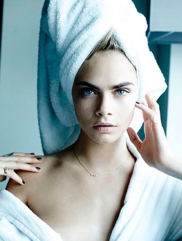ClioMakeUp-skincare-routine-corpo-pelle-cara-delevingne
