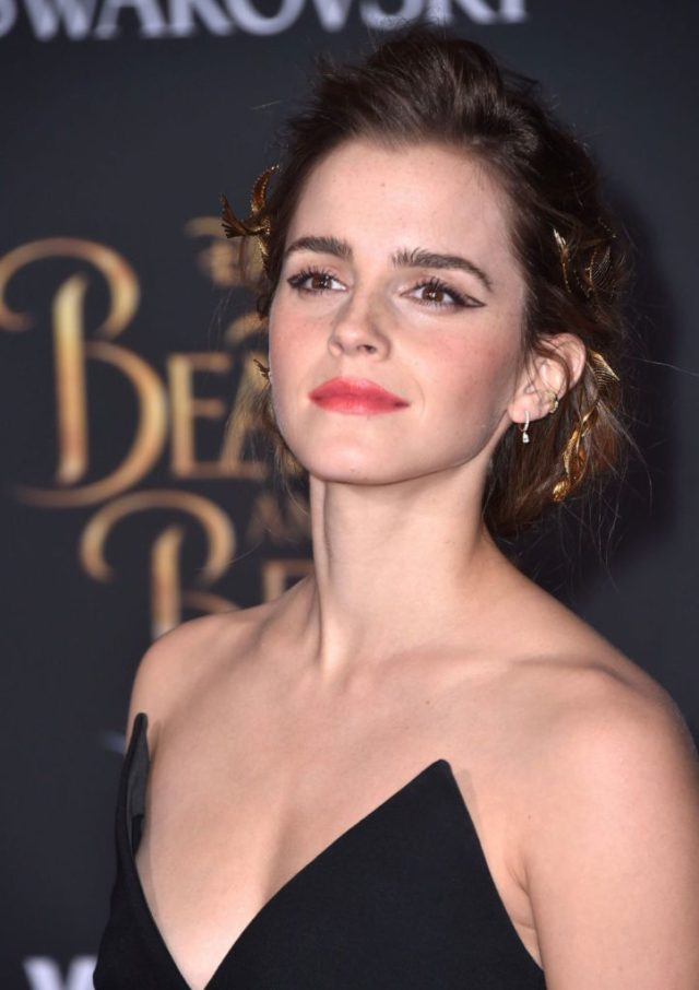 ClioMakeUp-Emma-Watson-prodotti-make-up-beauty-bio-eco-sostenibili-etico-press-tour-beauty-beast-bella-bestia-trucchi-4