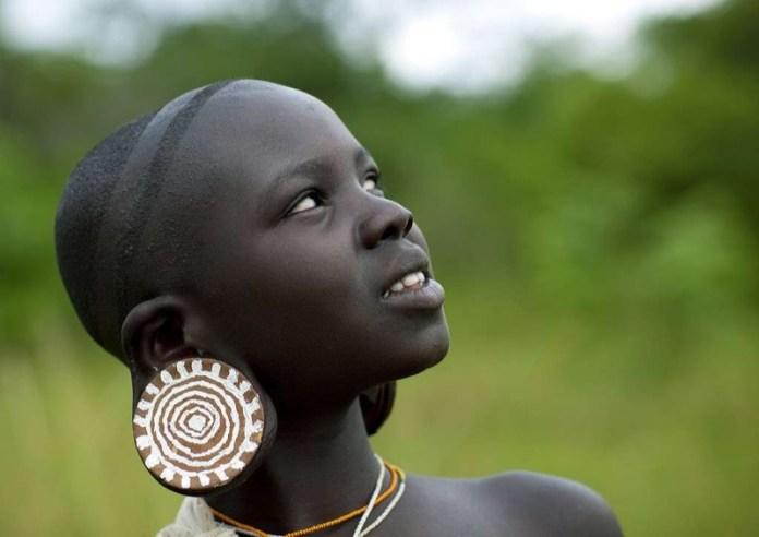 ClioMakeUp-orecchini-forma-viso-pendenti-piccoli-masai
