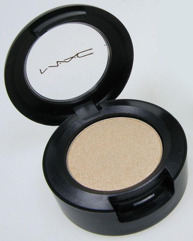 ClioMakeUp-prodotti-makeup-multiuso-ombretto-mac-nylon