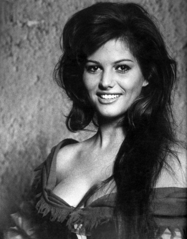 Cliomakeup-claudia-cardinale-photoshop-cannes (4)