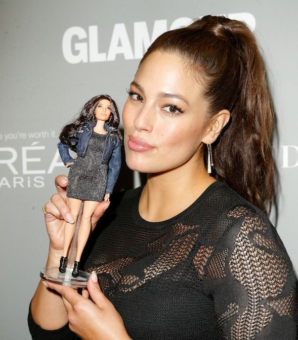 cliomakeup-thigh-gap-18-ashley-graham-barbie