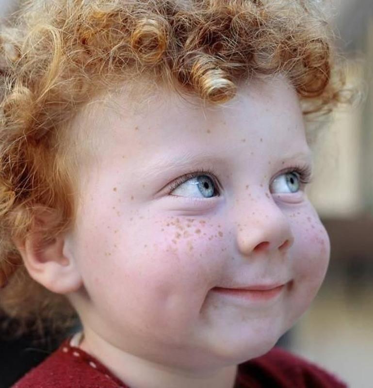 Ragazzi capelli rossi e lentiggini