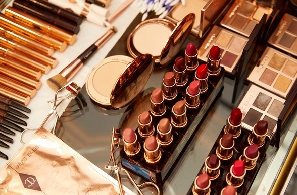 cliomakeup-migliori-make-up-met-gala-27-emma-roberts
