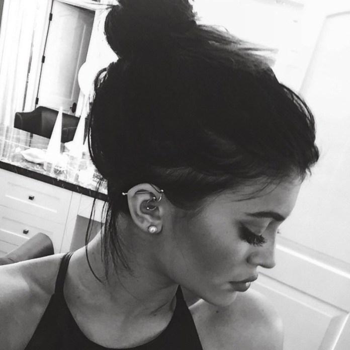 ClioMakeUp-piercing-2017-orecchie-corpo-tendenze-moda--9