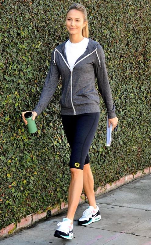ClioMakeUp-in-forma-senza-palestra-esercizi-sport-attivita-fisica-camminare-scale-fitness-8
