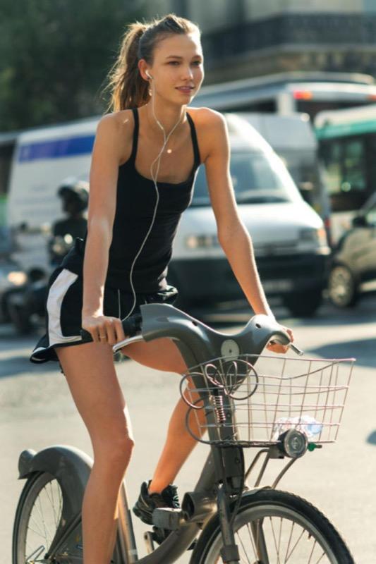 ClioMakeUp-in-forma-senza-palestra-esercizi-sport-attivita-fisica-camminare-scale-fitness-6