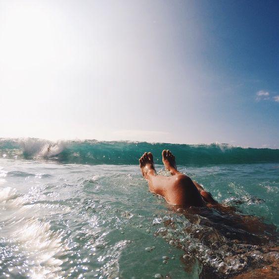 cliomakeup-caviglie-gonfie-19-nuoto