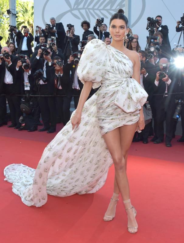 ClioMakeUp-meglio-di-cannes-2017-look-abiti-makeup-celebrity-red-carpet-36
